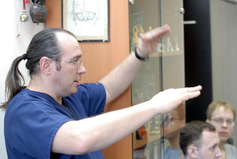 Шмигельский Александр Владимирович в НИИ Нейрохирургии Бурдеко : церебральный оксиметр INVOS Covidien